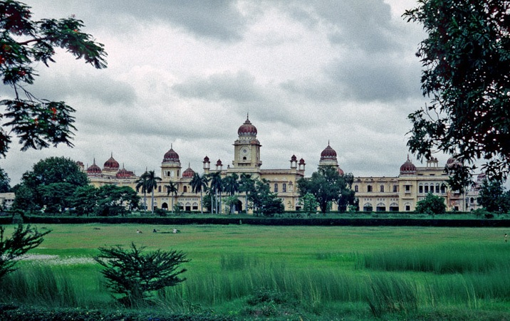 Lucknow University to offer course in Karm Kand