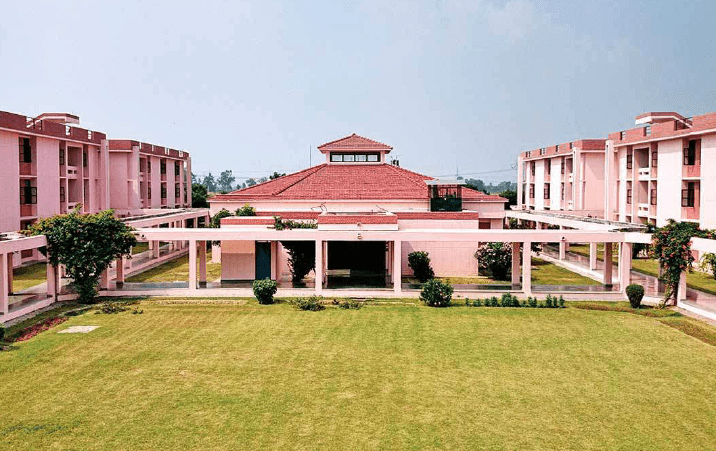 IIT Kanpurs new centre to integrate Hindi and Indian languages will help students from non English medium